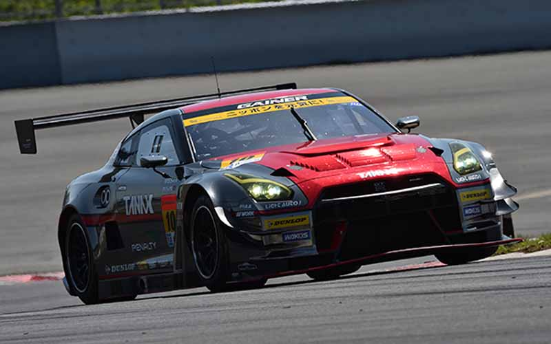 fuji-gt500-qualifying-pp-take-on-motul-autech-gt-r-threat-of-record-time20150503-5-min