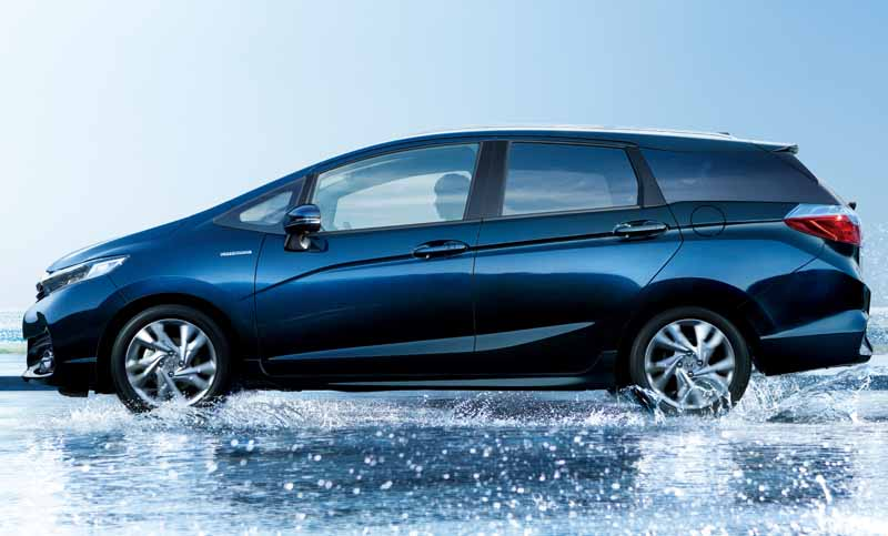 honda-start-new-compact-station-wagon-shuttle-sale20150515-15-min