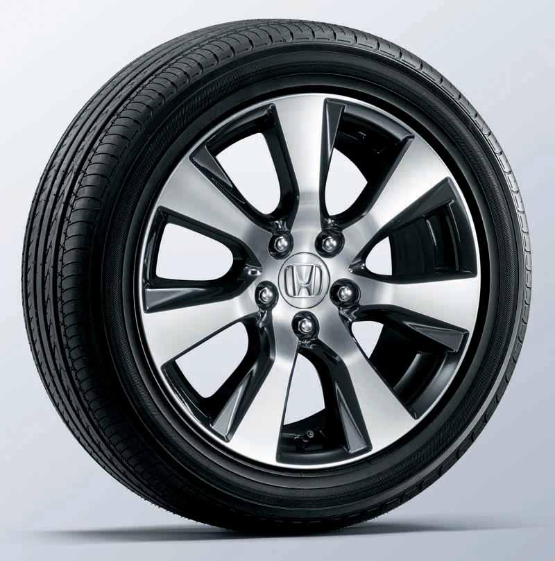 honda-the-1-5l-vtec-turbo-mounted-in-jade20150521-2-min