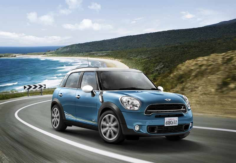 japan-limited-car-appearance-of-mini-crossover20150522-9-min