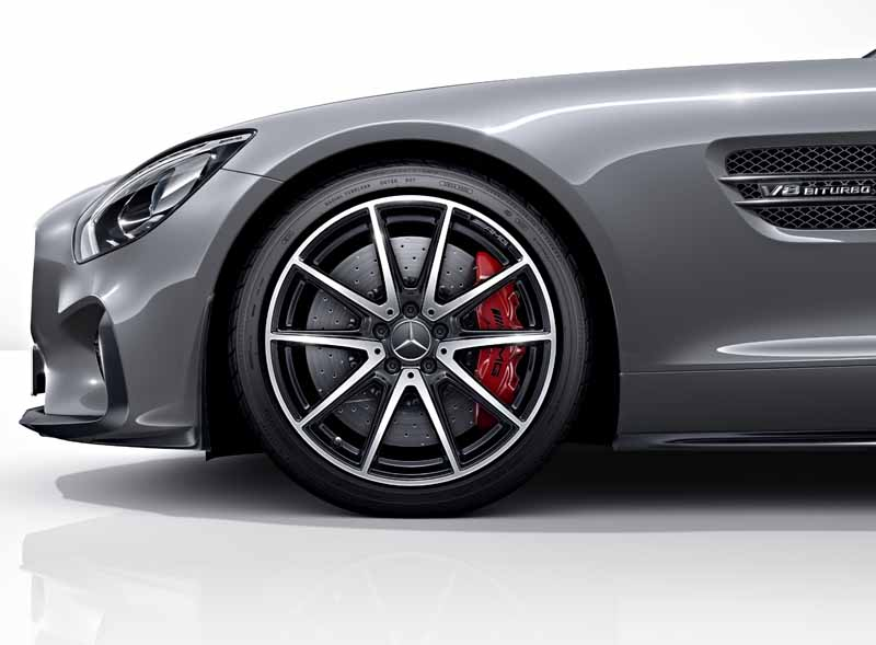 mercedes-benz-and-started-accepting-orders-of-amg-gt20150508-8-min