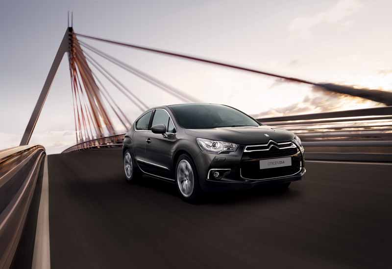 new-engine-to-citroen-ds4-improved-fuel-efficiency-from-3-2-million-yen20150515-2