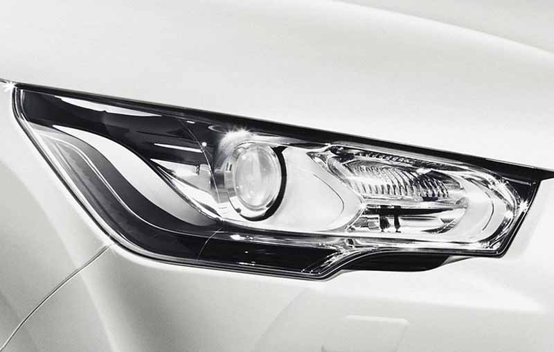 new-engine-to-citroen-ds4-improved-fuel-efficiency-from-3-2-million-yen20150515-6