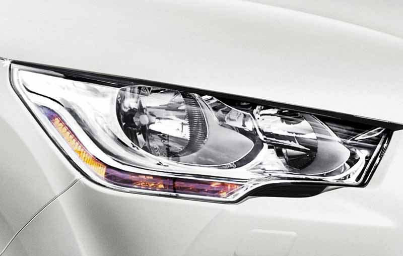 new-engine-to-citroen-ds4-improved-fuel-efficiency-from-3-2-million-yen20150515-8