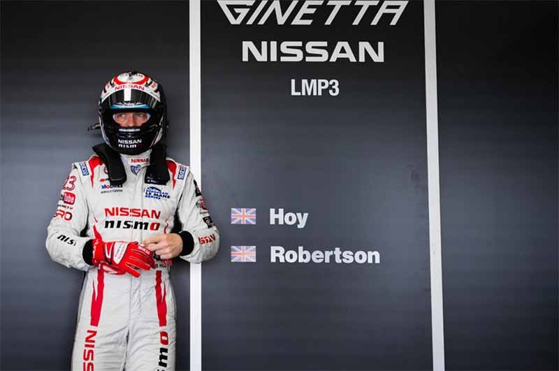 nissan-gt-academy-graduates-who-starting-towards-the-nurburgring-24-hours20150514-3-min