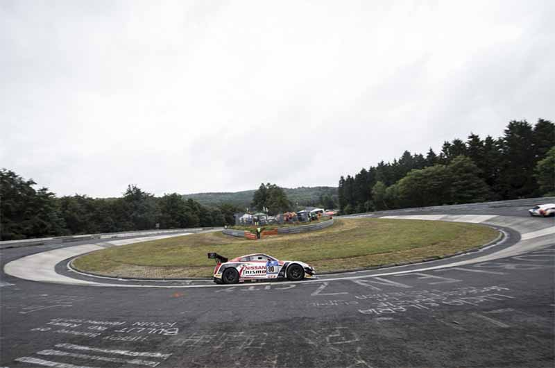 nissan-gt-academy-graduates-who-starting-towards-the-nurburgring-24-hours20150514-4