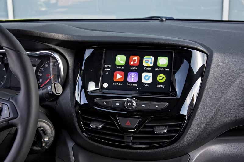 opel-to-smartphones-cooperation-function-implemented-in-the-whole-lineup20150530-2-min