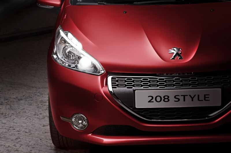 peugeot-special-limited-car-208-style-released20150526-1-min