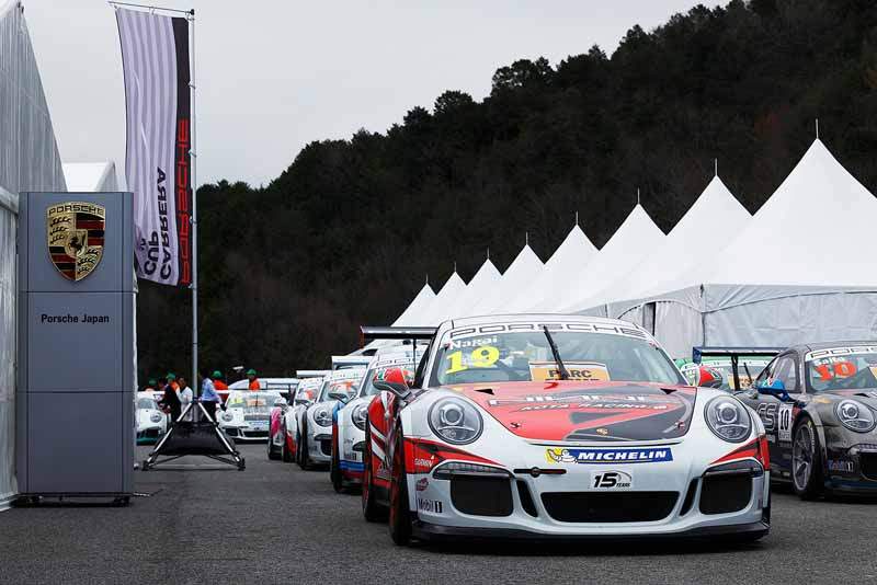 porsche-carrera-cup-japan-2015-fuji-start-just-before20150501-8-min