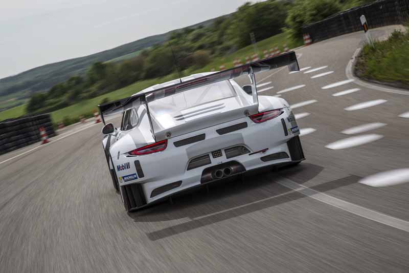 porsche-the-new-911-gt3-r-world-premiere-at-the-nurburgring20150516-5-min