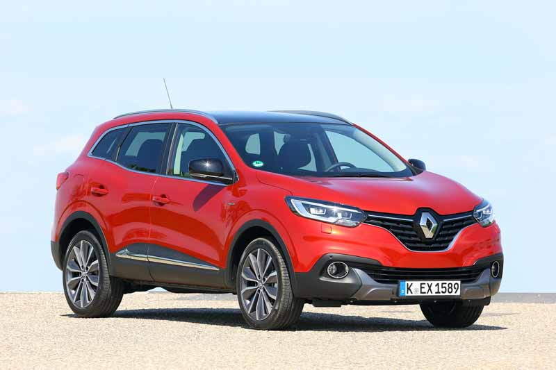 renault-a-small-crossover-vehicle-kajaru-european-release20150531-10-min