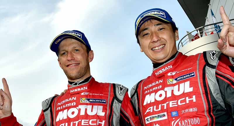 super-gt-round-2-fuji-goddess-of-victory-smiles-to-nissan20150504-14-min