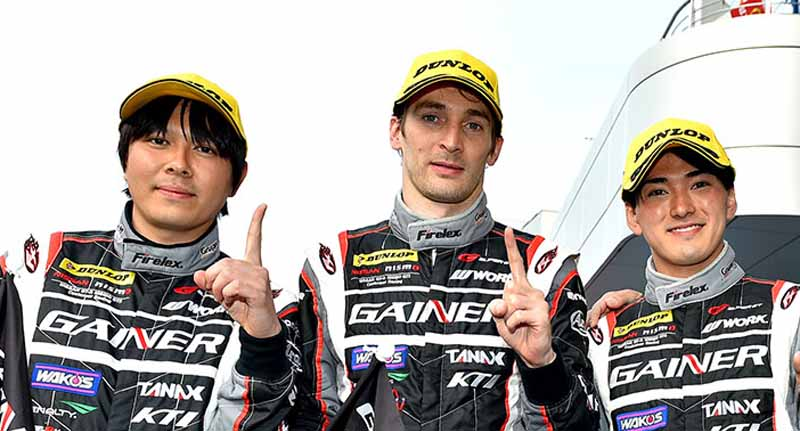 super-gt-round-2-fuji-goddess-of-victory-smiles-to-nissan20150504-15-min
