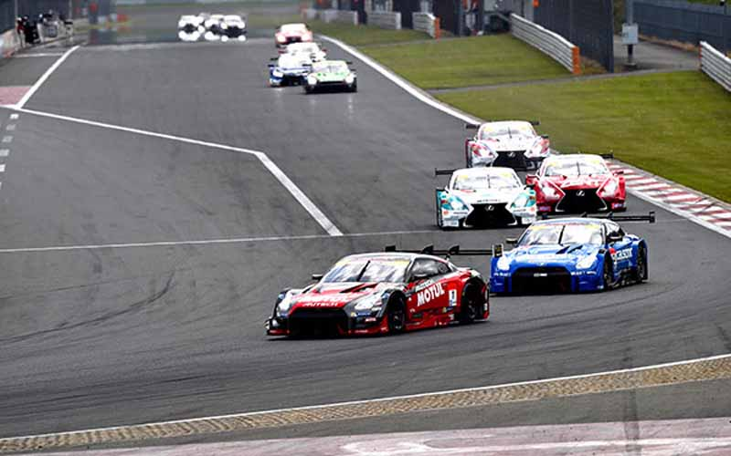 super-gt-round-2-fuji-goddess-of-victory-smiles-to-nissan20150504-2-min