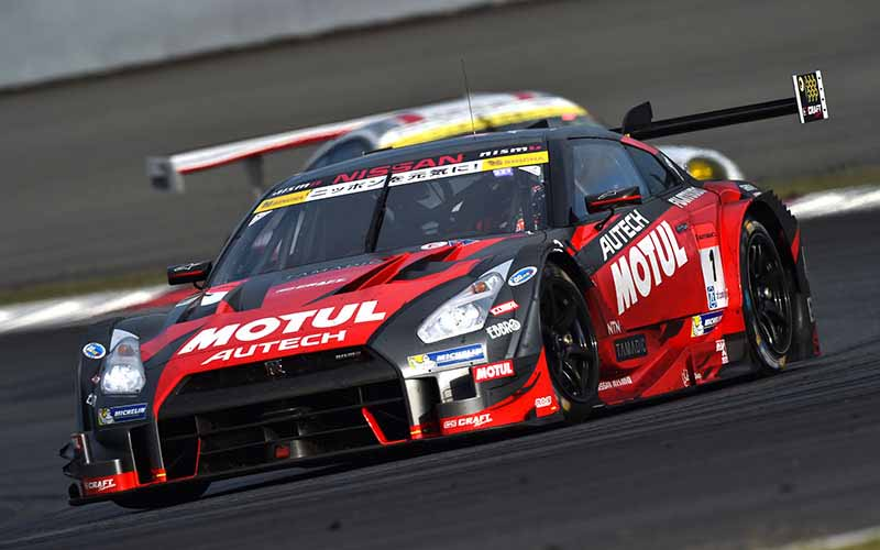 super-gt-round-2-fuji-goddess-of-victory-smiles-to-nissan20150504-4-min