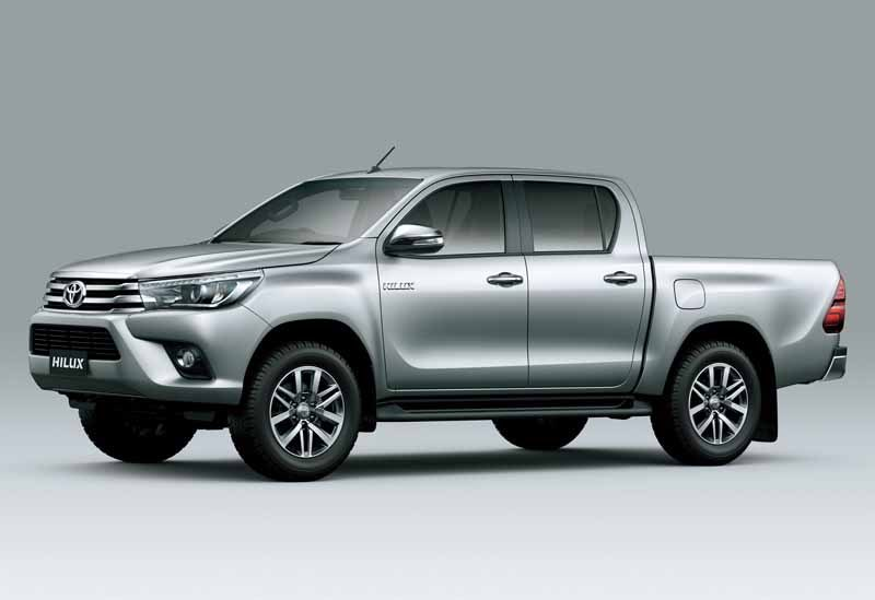 the-full-model-change-toyota-the-hilux-in-thailand20150521-2-min