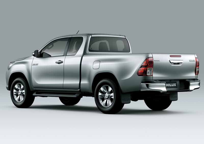 the-full-model-change-toyota-the-hilux-in-thailand20150521-3-min