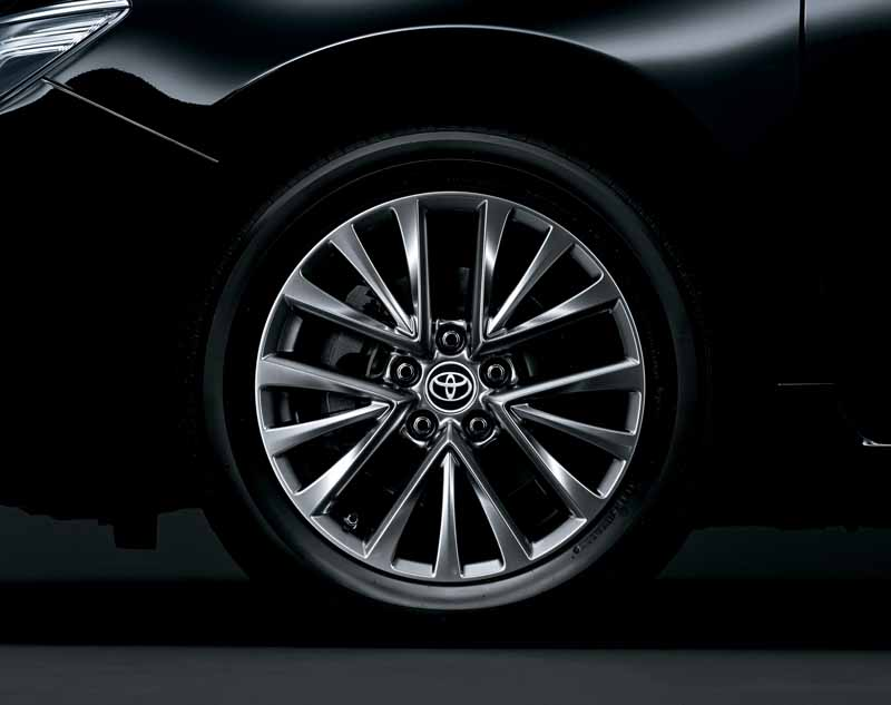 toyota-introduces-special-edition-models-of-camry20150513-5-min