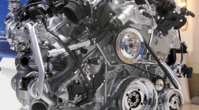 フォルクスワーゲン、新6リッターエンジンのW12 TSIをウイーンで公開