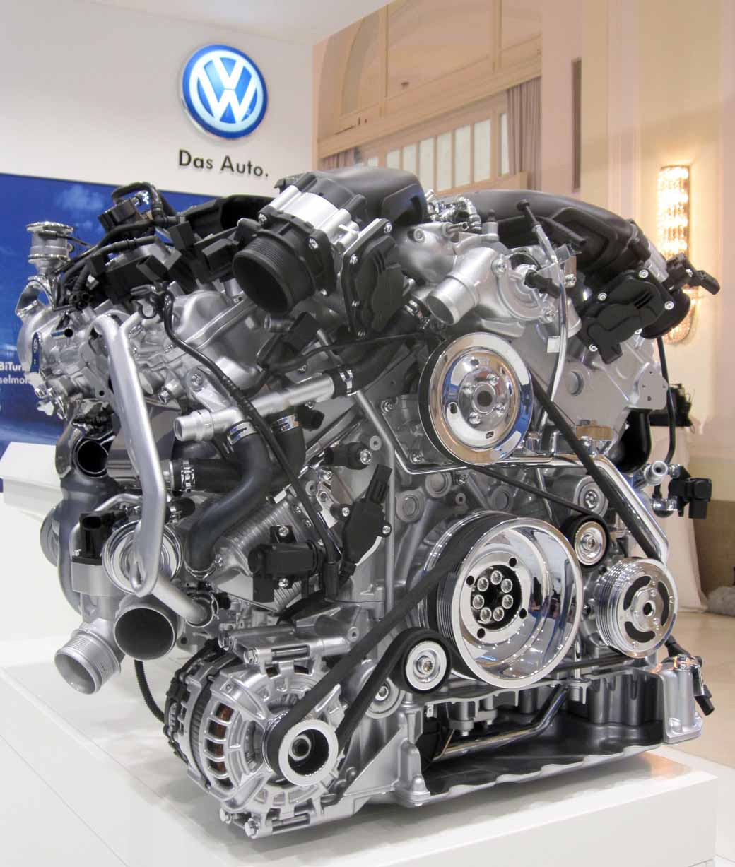 volkswagen-publish-w12-tsi-of-the-new-6-liter-engine-in-vienna20150510-7-min