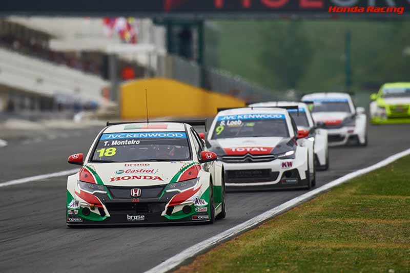 wtcc-round-3-hungary-of-race-2-honda-civic-this-seasons-first-victory20150504-60-min