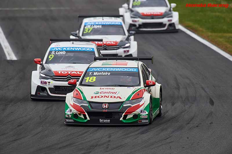 wtcc-round-3-hungary-of-race-2-honda-civic-this-seasons-first-victory20150504-90-min