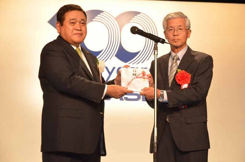 yanase-to-conduct-social-contribution-activities-to-commemorate-the-100th-anniversary-of-its-founding20150527-4-min