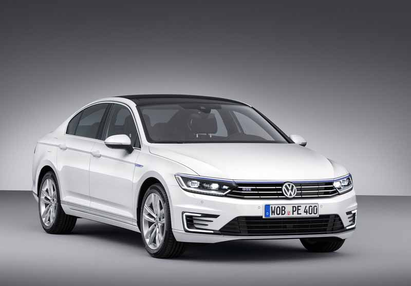 VW, orders the start of the Passat GTE · plug-in hybrid in the European market-7-min