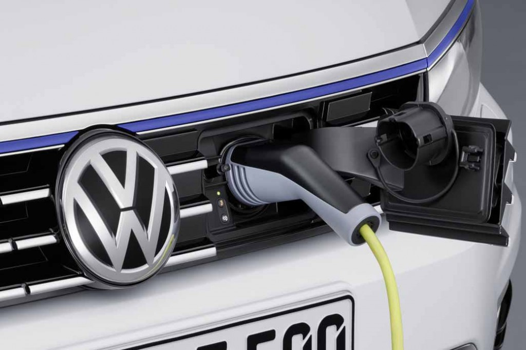 VW, orders the start of the Passat GTE · plug-in hybrid in the European market-1-min