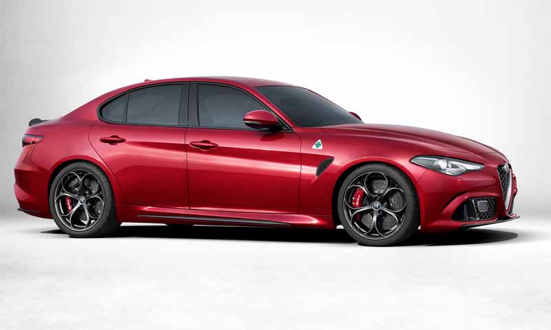alfa-romeo-giulia-alfa-romeo-giulia-travel-video-public20150625-6-min