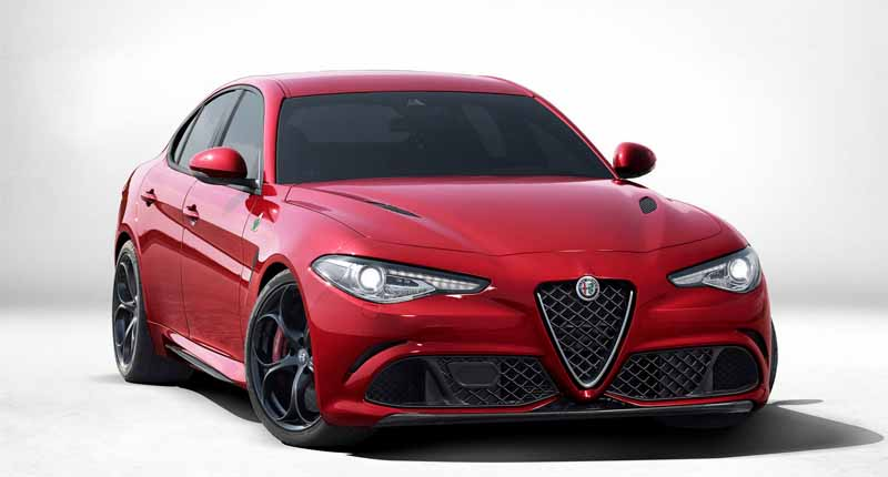alfa-romeo-giulia-alfa-romeo-giulia-travel-video-public20150625-7-min