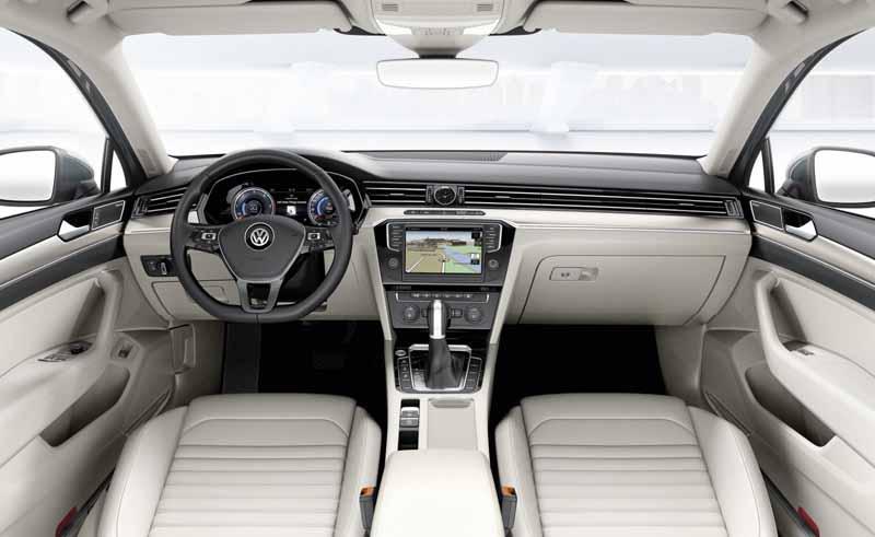 and-start-taking-orders-for-the-new-volkswagen-passat-passat-variant20150625-7-min