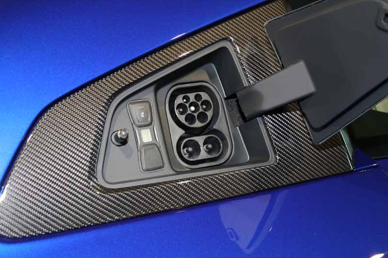 audi-r8-e-tron-finally-to-start-accepting-orders20150615-4-min
