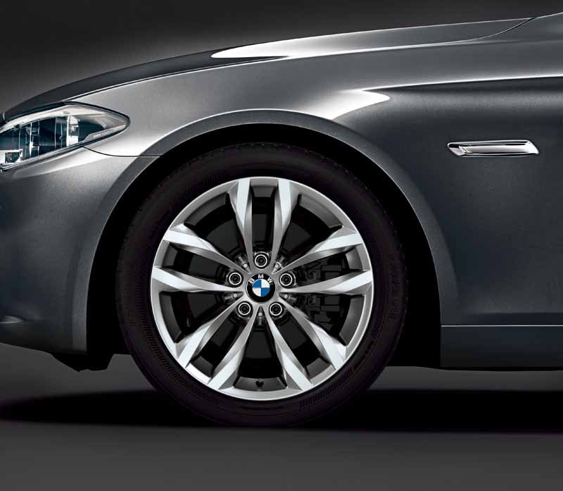 bmw-5-series-sedan-limited-model-grace-line-released-of20150604-3-min