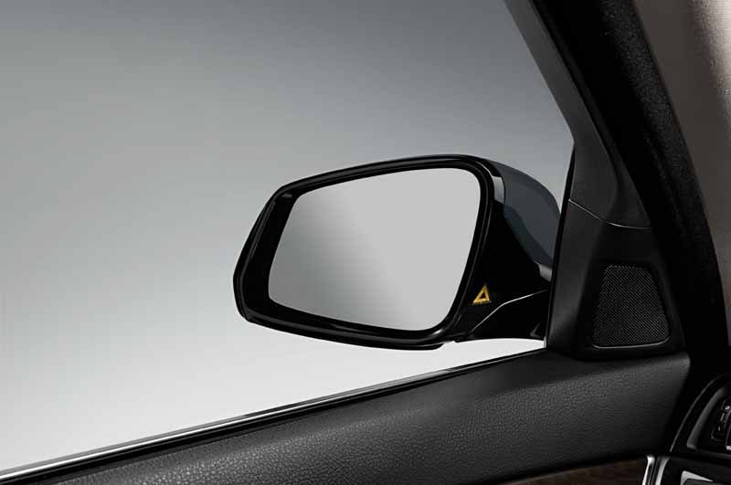 bmw-5-series-sedan-limited-model-grace-line-released-of20150604-5-min