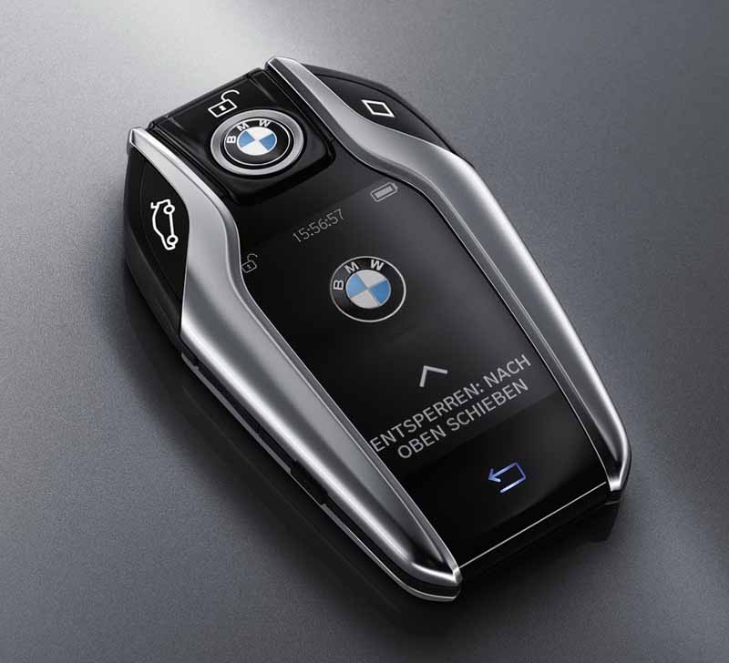 bmw-and-publish-the-new-7-series-in-the-european-market20150611-1-min