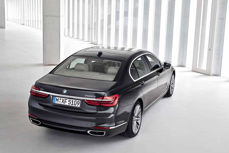 bmw-and-publish-the-new-7-series-in-the-european-market20150611-14-min