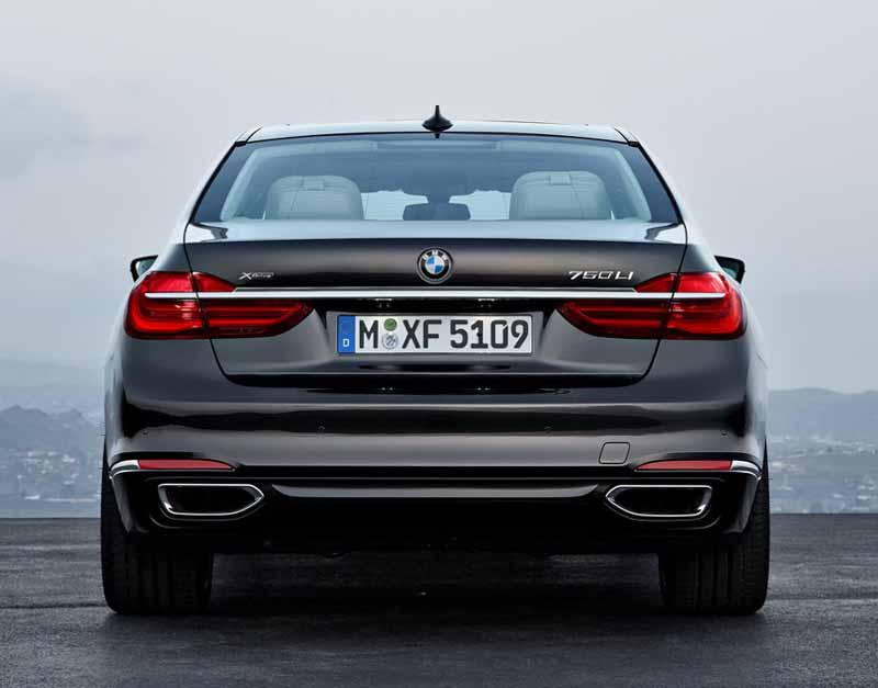 bmw-and-publish-the-new-7-series-in-the-european-market20150611-15-min