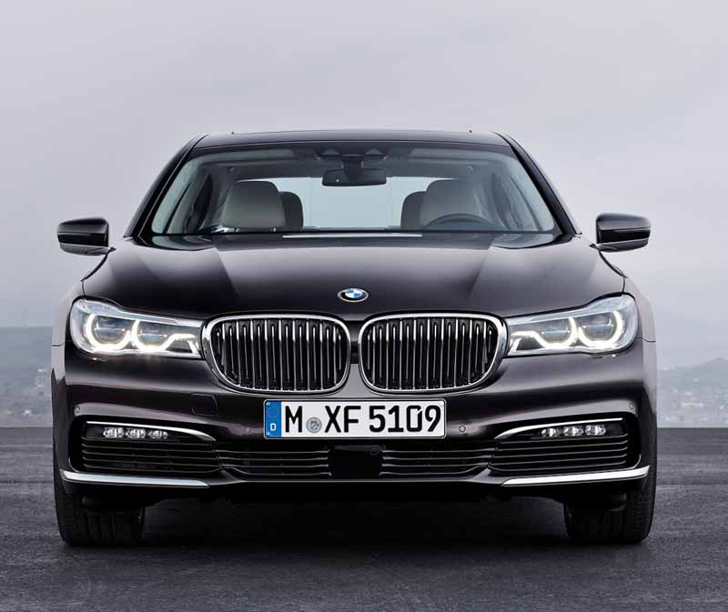 bmw-and-publish-the-new-7-series-in-the-european-market20150611-18-min