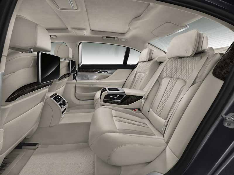 bmw-and-publish-the-new-7-series-in-the-european-market20150611-5-min
