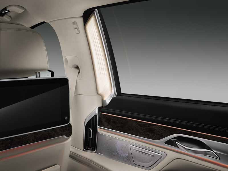 bmw-and-publish-the-new-7-series-in-the-european-market20150611-6-min