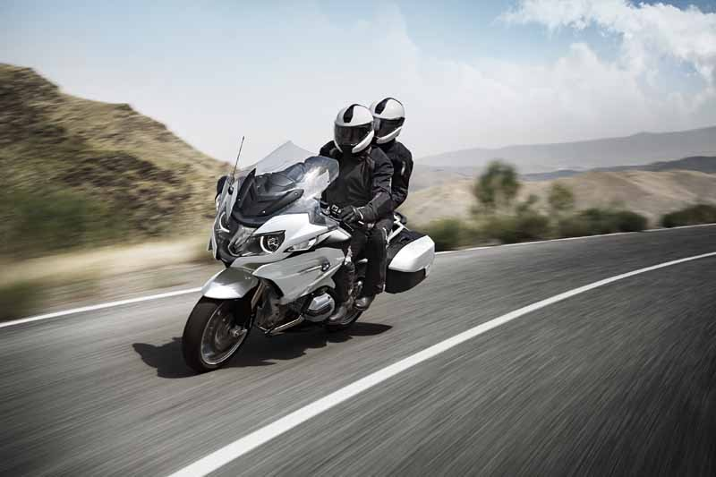 bmw-motorrad-r-1200-rt-limited-color-is-alpine-white-appearance-of20150627-3-min