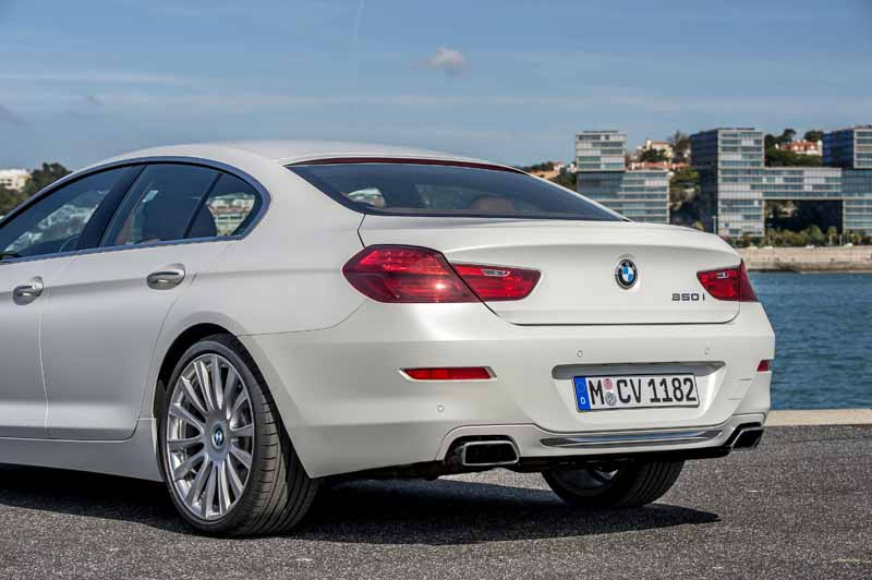 bmw-new-6-series-announced20150626-52-min