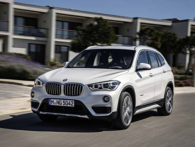 bmw-the-public-in-the-next-generation-bmw-x1-europe20160708-12-min