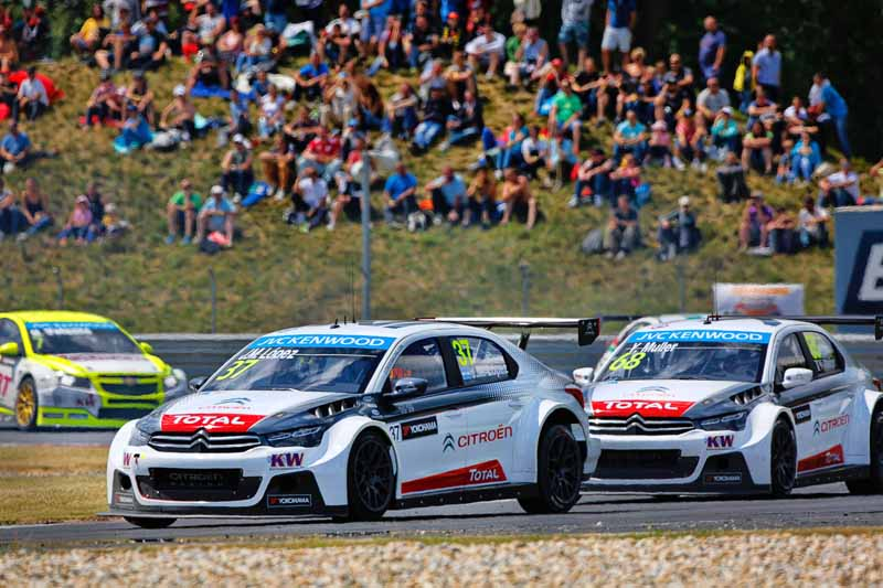 even-in-wtcc-round-6-slovakia-stand-out-the-strength-of-the-citroen-bias20150622-6-min