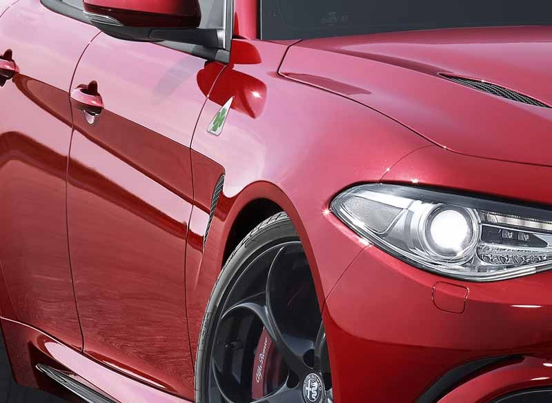 fca-japan-published-an-alfa-romeo-giulia20150626-7-min