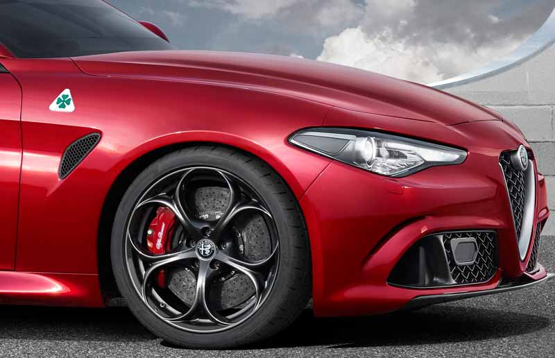 fca-japan-published-an-alfa-romeo-giulia20150626-8-min