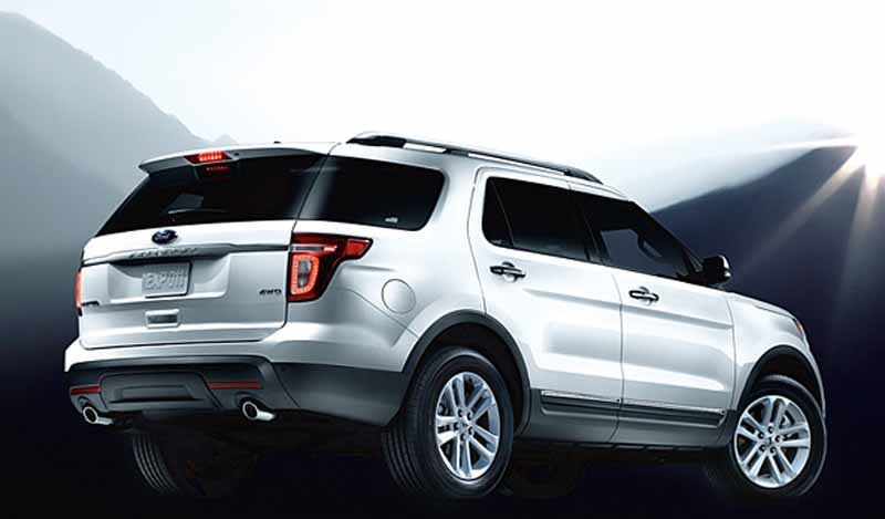 ford-japan-explorer-limited-ecoboost-limited-200-units-released20150618-11-min