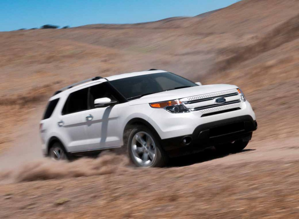 ford-japan-explorer-limited-ecoboost-limited-200-units-released20150618-7-min