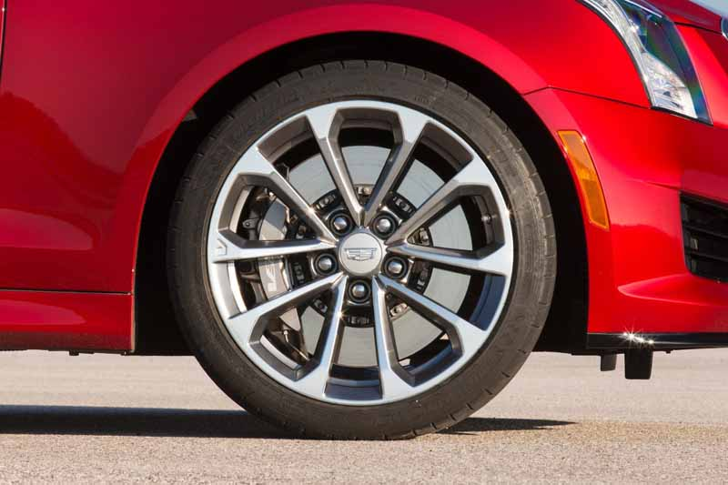 gm-japan-and-published-a-power-unit-of-the-super-sports-sedan-cadillac-ats-v20150623-2-min